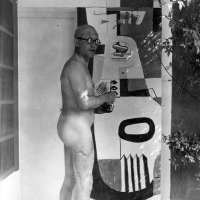 Liviandades de domingo: Le Corbusier desnudo NSFW!
